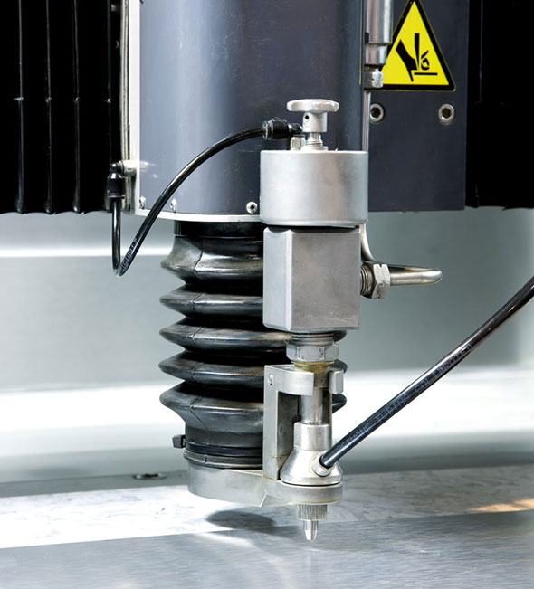 Vattenskärning med maskin från Finecut